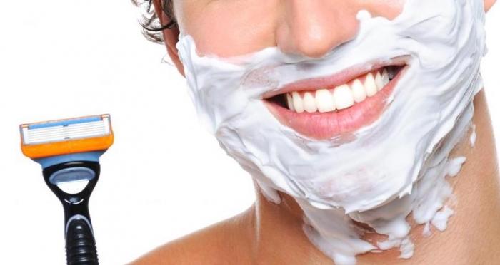 come sconfiggere le irritazioni post-rasatura della barba